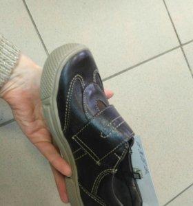 Детские п/ботинки. Новые!