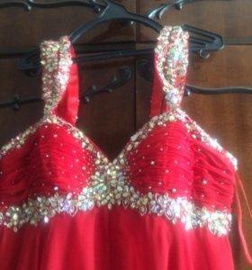 Шикарное платье длинное