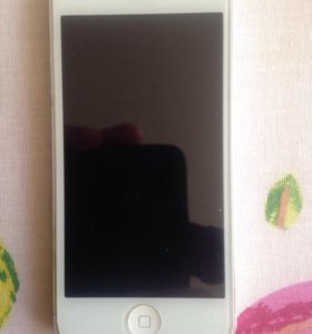iPhone 5 белый на 16 gb