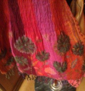 Шарф , Италия , новый. 100% wool. Очень красивый