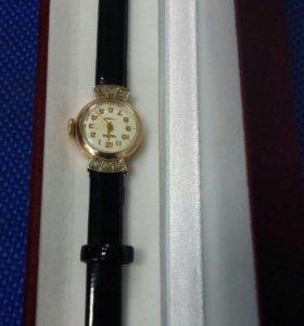 Часы золотые с бриллиантами