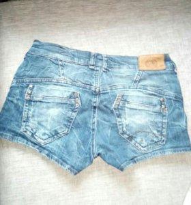 Продаю джинсы шорты