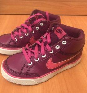 Детские кроссовки Nike (для девочки)