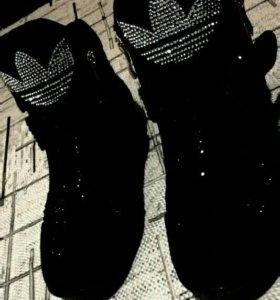Ботиночки Adidas. Новые. (Весна, Осень)