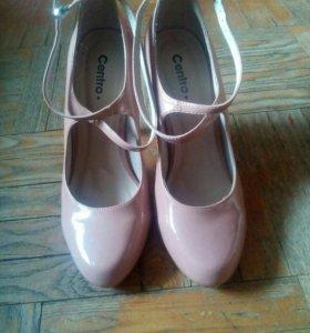 Туфли на каблуке фирма centro