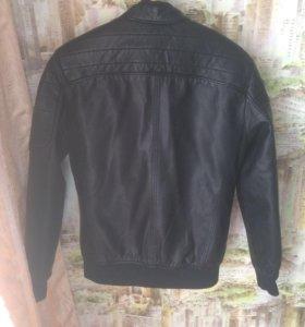 Продаю коленную куртку