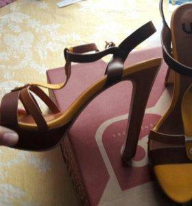Новые босоножки , Центр-Обувь, 39 размер