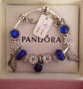 Браслет с логотипом Pandora