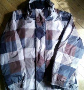 Куртка на мальчика 6-8 лет.