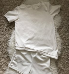 Шорты с футболкой