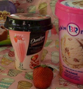 Йогуртный коктейль со вкусом мороженного клубники