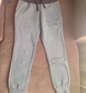 Спортивные брюки адидас(оригинал) р-р42-44