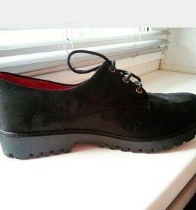 Ботинки женские ,новые