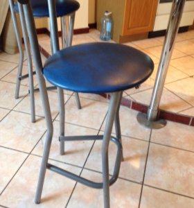 Барные стулья, стол