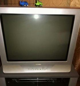 Продам сломанный телевизор Samsung