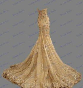 Новое платье золотого цвета, силуэт рыбка