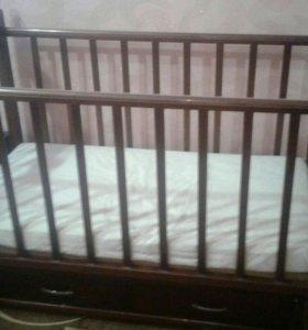 Детская кровать маятник + матрасик