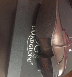Новые кожаные туфли на 43 размер