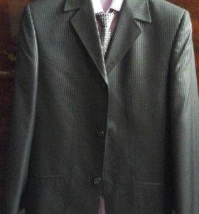 Костюм и рубашка.44 размер