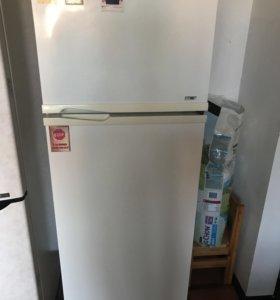 Холодильник Fhilips