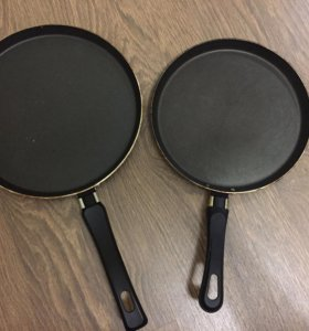 Сковороды обе за