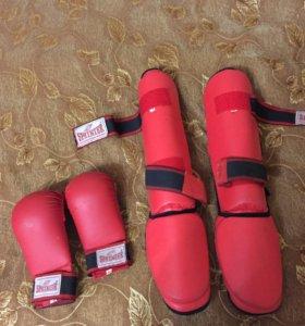 Футы и перчатки