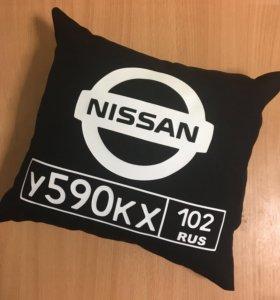 Подушка с логотипом и госномером авто