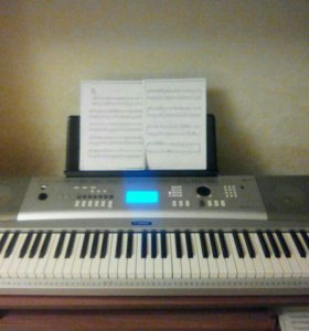 Синтезатор Portable Grand dgx 220 yamaha