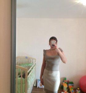 Платье в бежевых тонах