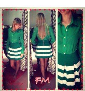 Рубашка зелёная новая