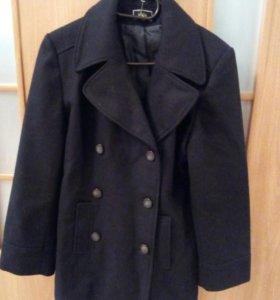 Новое теплое качественное пальто