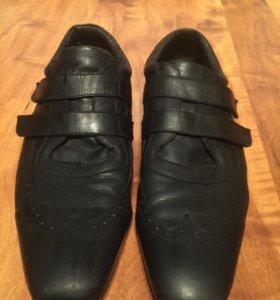 Кожанные кроссовки 44р