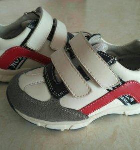 Кросовки новые, 21 размер