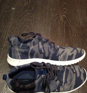 Мужские новые кроссовки
