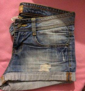 Шорты джинсовые Bershka!в идеале!!!