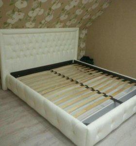 Кровати, тумбы, комоды