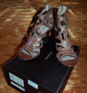 Туфли новые кожаные TJ Collection р.40