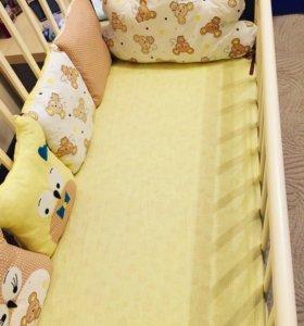 Комплект в детскую кроватку новый
