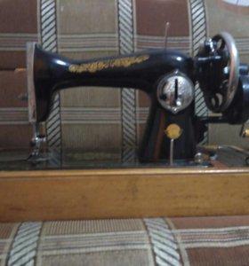 Антиквариат швейная машинка зингер