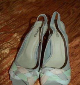Новые кожаные туфли р.38,Эконика RiaRosa