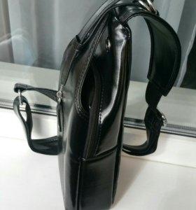 Новая мужская сумка чз одно плечо.