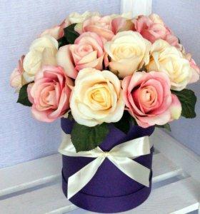 Букет роз в шляпной коробке