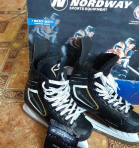 Коньки NDW103 H ockey ice skates (Размер 41/265)