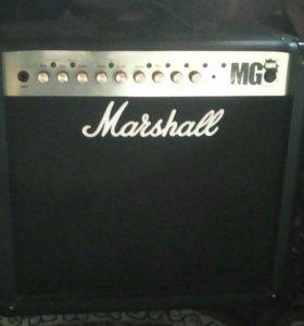 Комбик Marshall Mg 50 fx