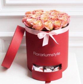 """Цветы в коробке """"Персиковое чудо"""" с наполнением"""""""