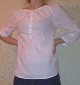 Белая отличная рубашка