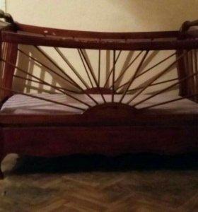 Кровать (деревяная)