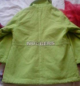 Продам детское пальто.цвет салатовый
