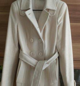 Пальто шерстяное, осеннее