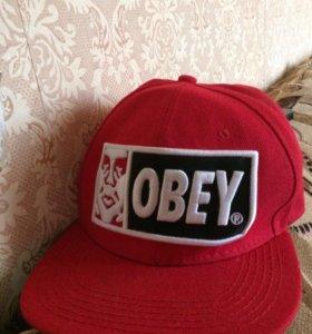 Кепка-реперка Obey
